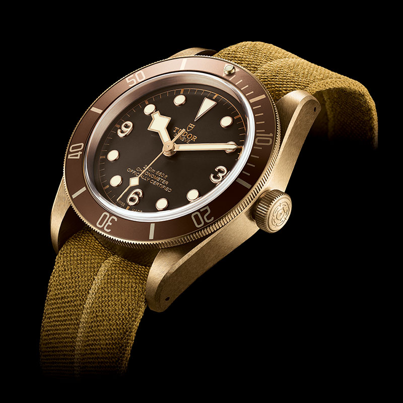 Feature - 0 Heritage Black Bay Bronze