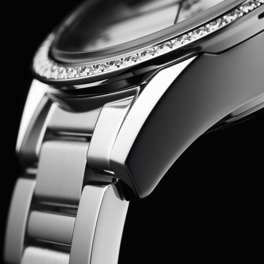 Feature - 0 CARRERA Ladies Calibre 9