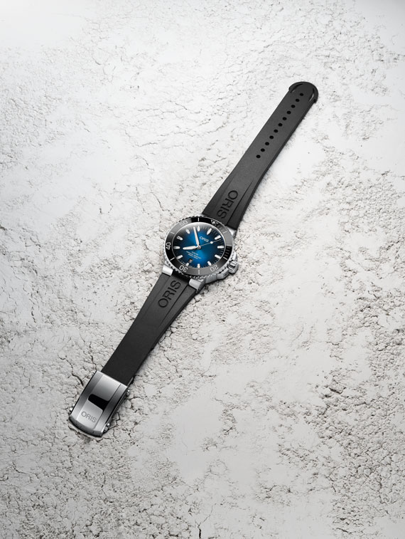 Feature - 0 AQUIS Clipperton Limited Edition