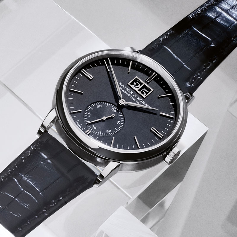 Feature - 0 Saxonia Outsize Date