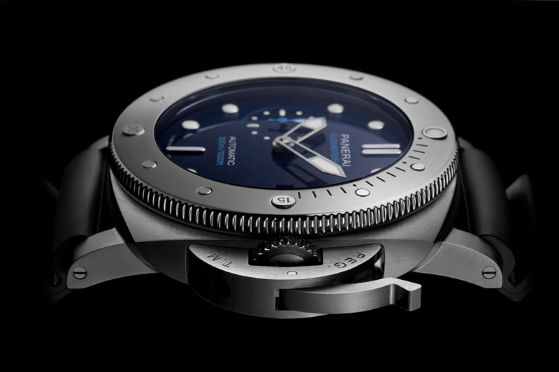 Feature - 0 SUBMERSIBLE BMG-TECH™ PAM00692