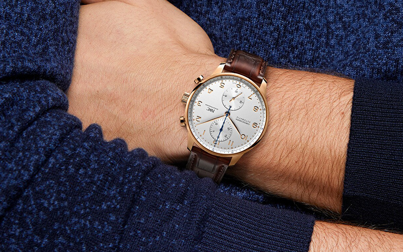 Feature - 0 PORTUGIESER CHRONOGRAPH (Gold)