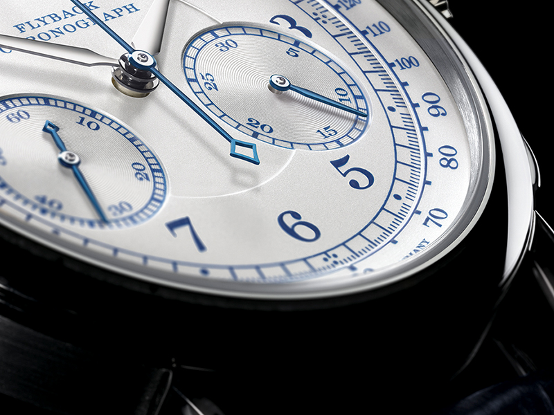 Feature - 1 1815 Chronograph 414.026
