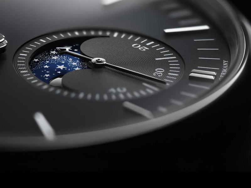 Feature - 1 Saxonia Moon Phase 384.029
